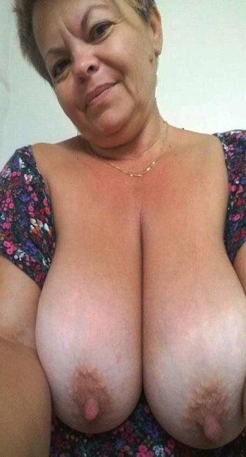 Femme forte à gros seins pour aventure sexuelle