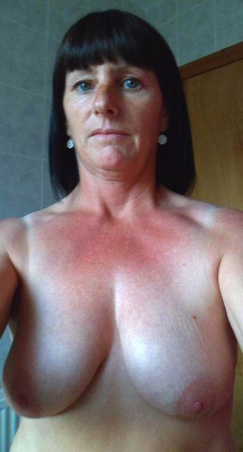 Femme maso avec des formes pour plan BDSM avec homme